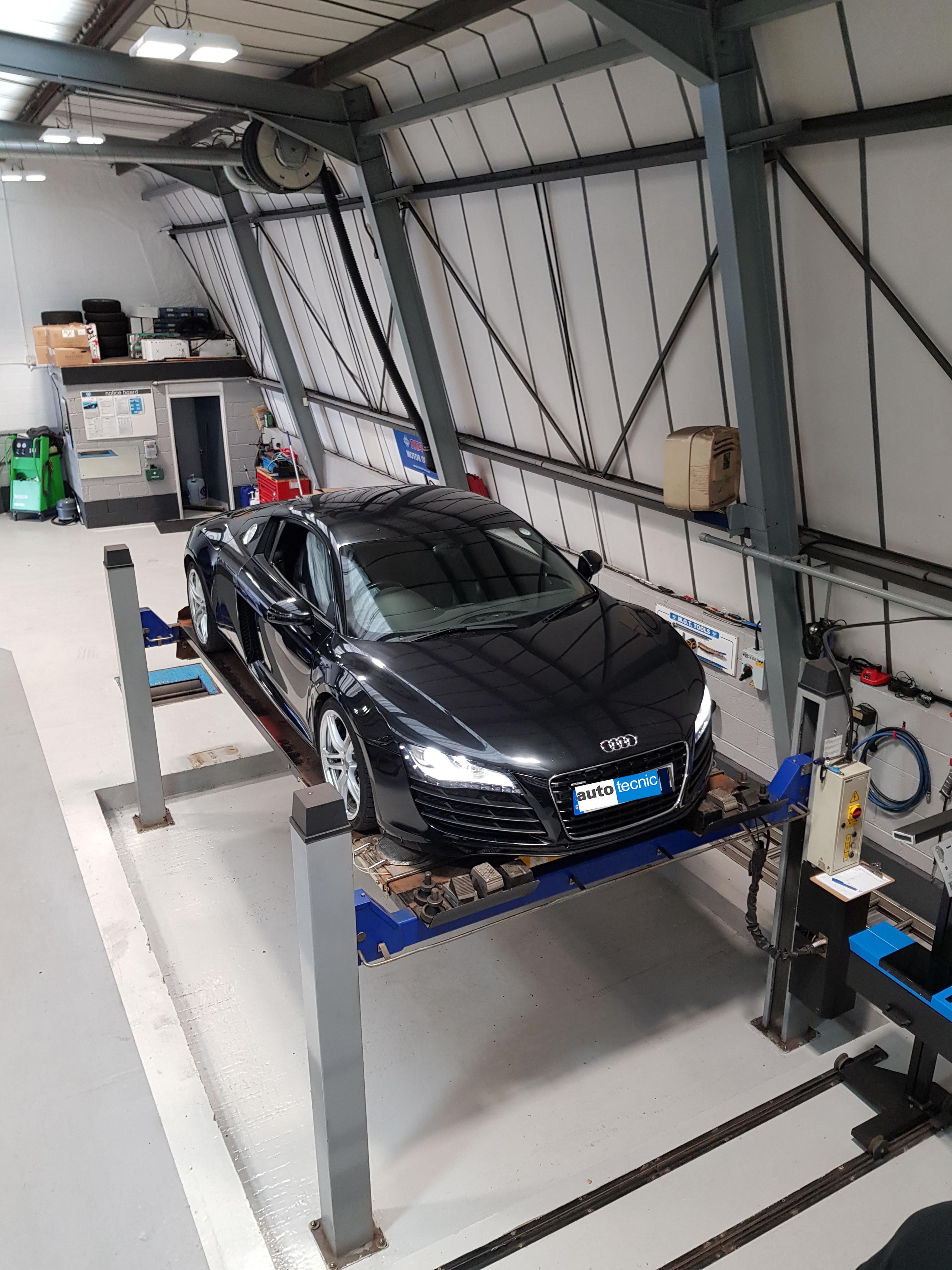 Autotecnic Sheffield - Audi R8