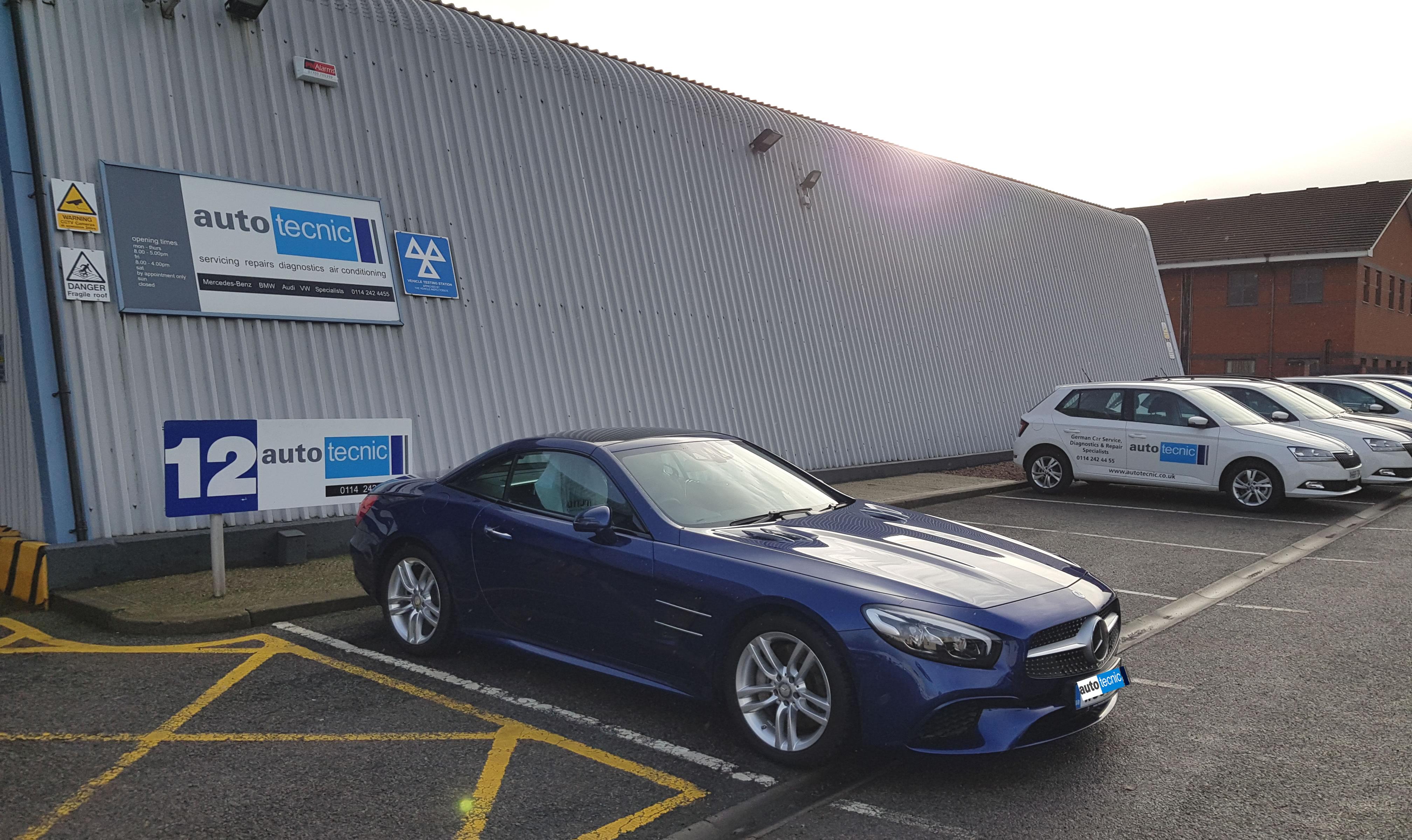 autoecnic - Sheffield - Mercedes 400SL